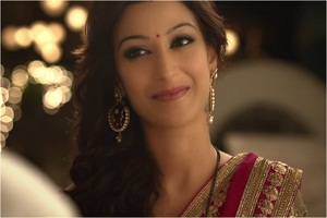 Occasion commercial for dabur fem